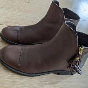 NWT Size 7 Geox Respira booties